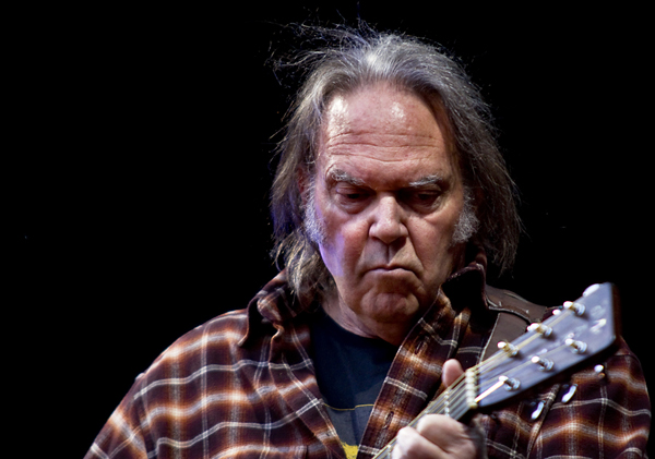 neil young - Per Ole Hagen - Per Ole Hagen, CC BY-SA 1.0, https://commons.wikimedia.org/w/index.php?curid=10820963