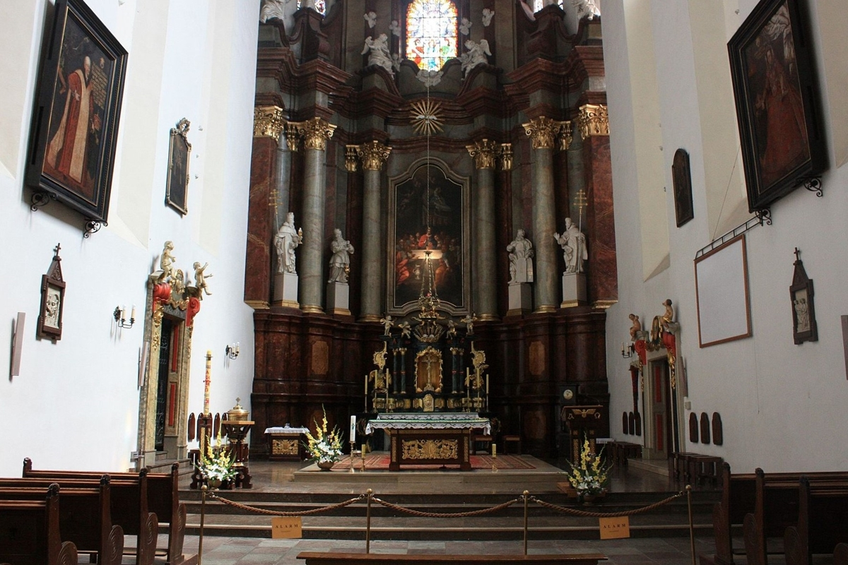 kościół bożego ciała krakowska strzelecka poznań - Macpach1234 - Praca własna, CC BY-SA 4.0, https://commons.wikimedia.org/w/index.php?curid=50044180