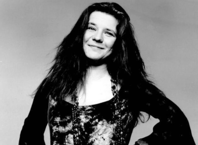 J.Joplin - 1969: Podczas występu w mieście Tampa, po tym jak wyzywała policjanta, aresztowana została Janis Joplin. / Fot. By Grossman Glotzer Management Corporation - eBay itemphoto frontphoto back, Public Domain, https://commons.wikimedia.org/w/index.php?curid=194