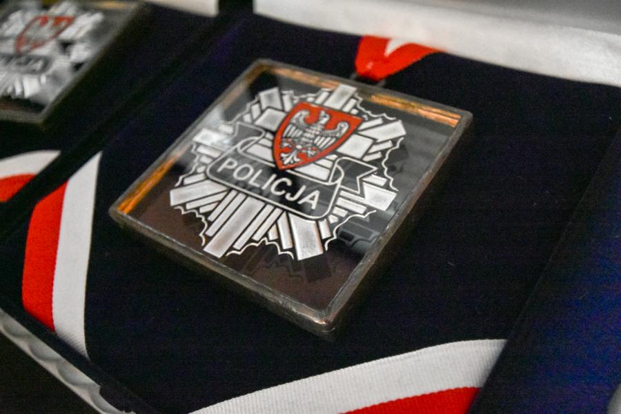 kryształowe gwiazdy policja order nagroda - Wojtek Wardejn - Radio Poznań