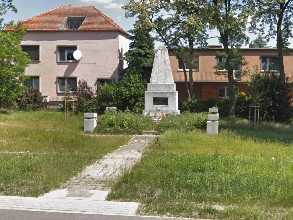 pomnik radziecki szamotuły - Google Maps