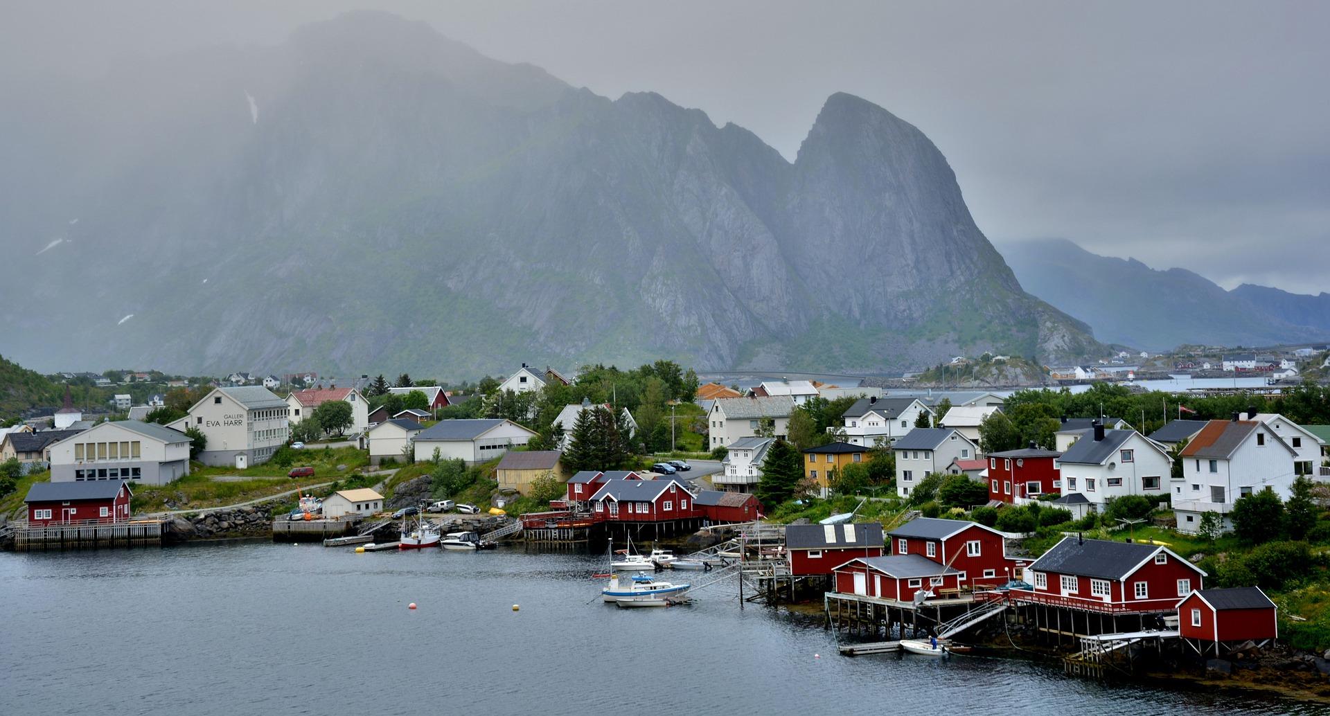lofoty norwegia domki - pixabay