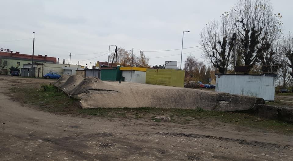 schron bunkier naramowice - FB: Projekt Niepokorni