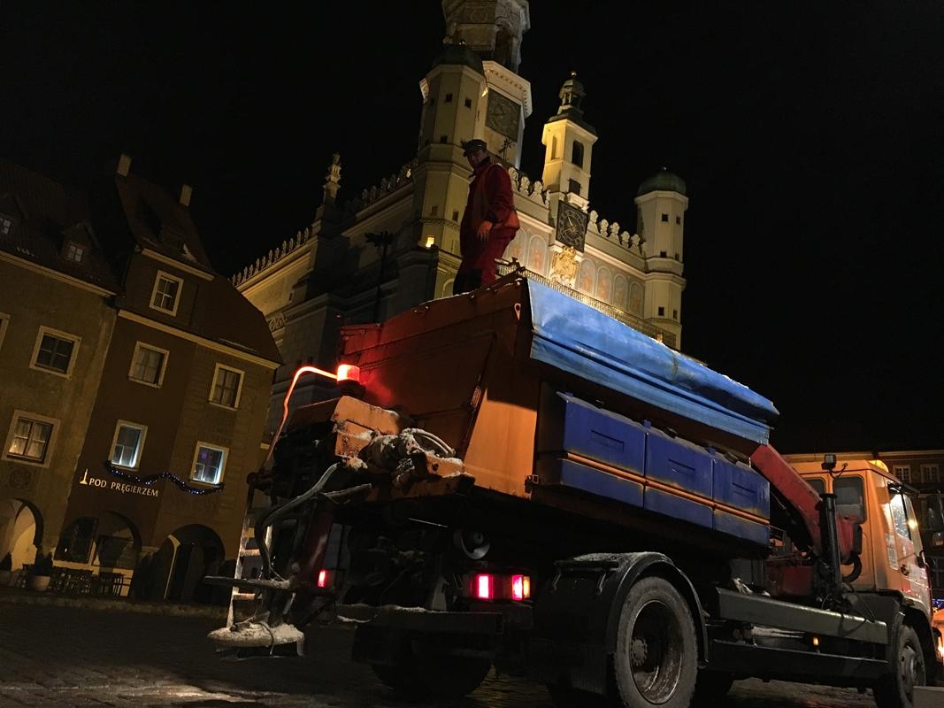 piaskarka zima odśnieżanie przymrozek mróz - Wojtek Wardejn - Radio Poznań