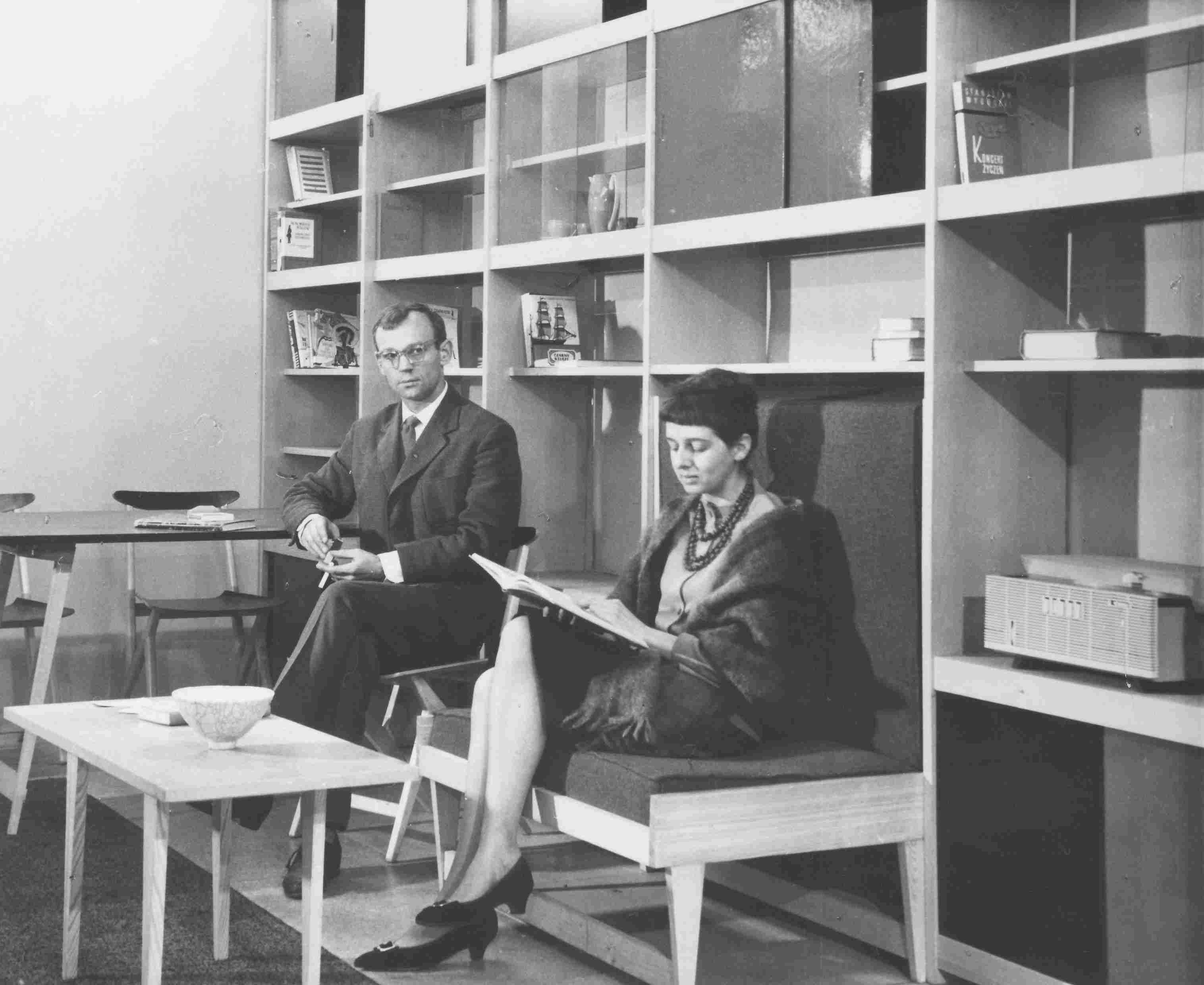 boguslawa i czeslaw kowalscy i ich mebloscianka 1961
