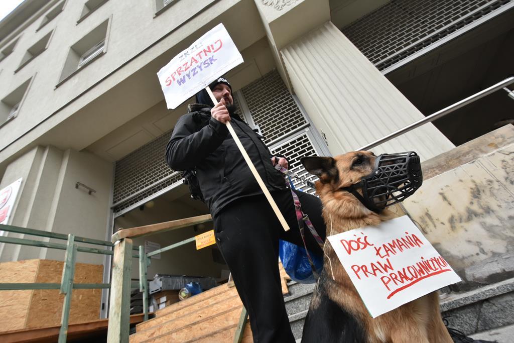 Protest portierów - Wojtek Wardejn