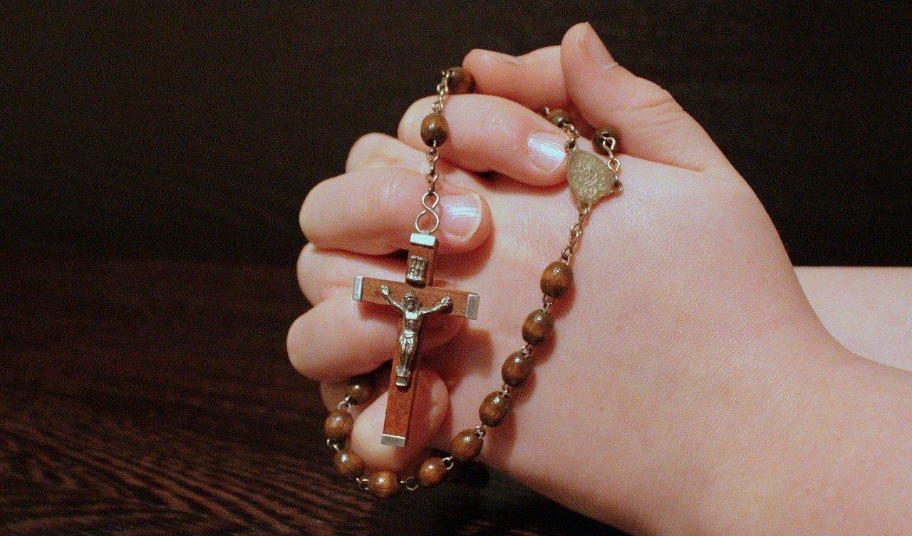 modlitwa różaniec - Pixabay