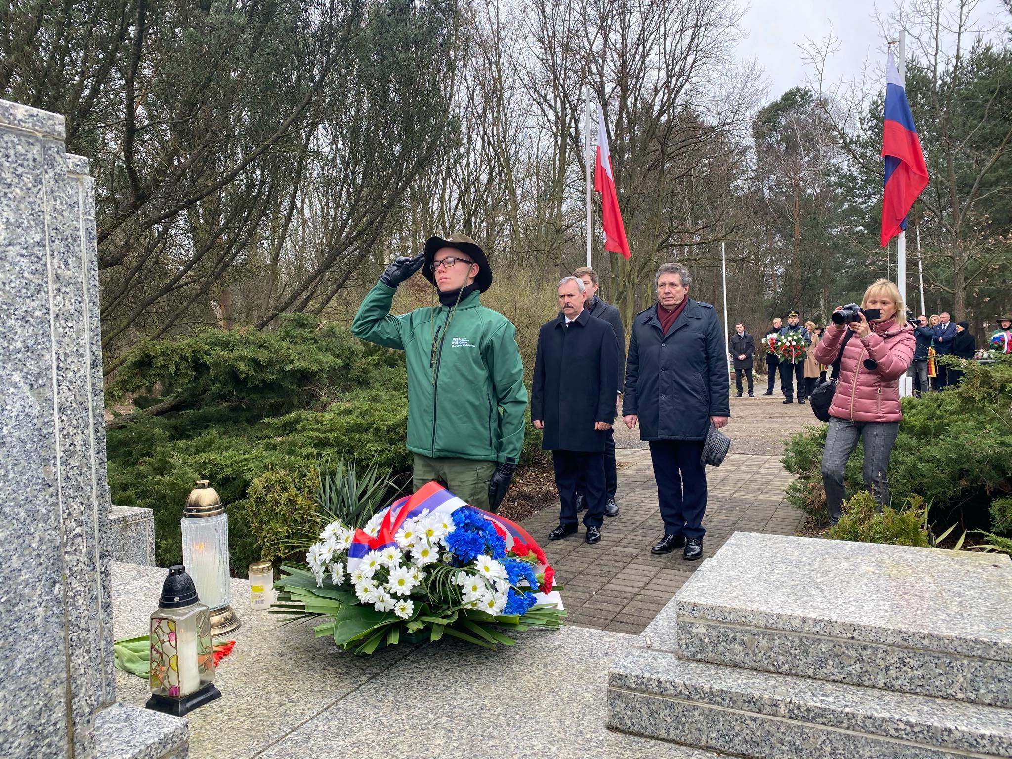 składanie kwiatów miłostowo walki poznan - Michał Jędrkowiak