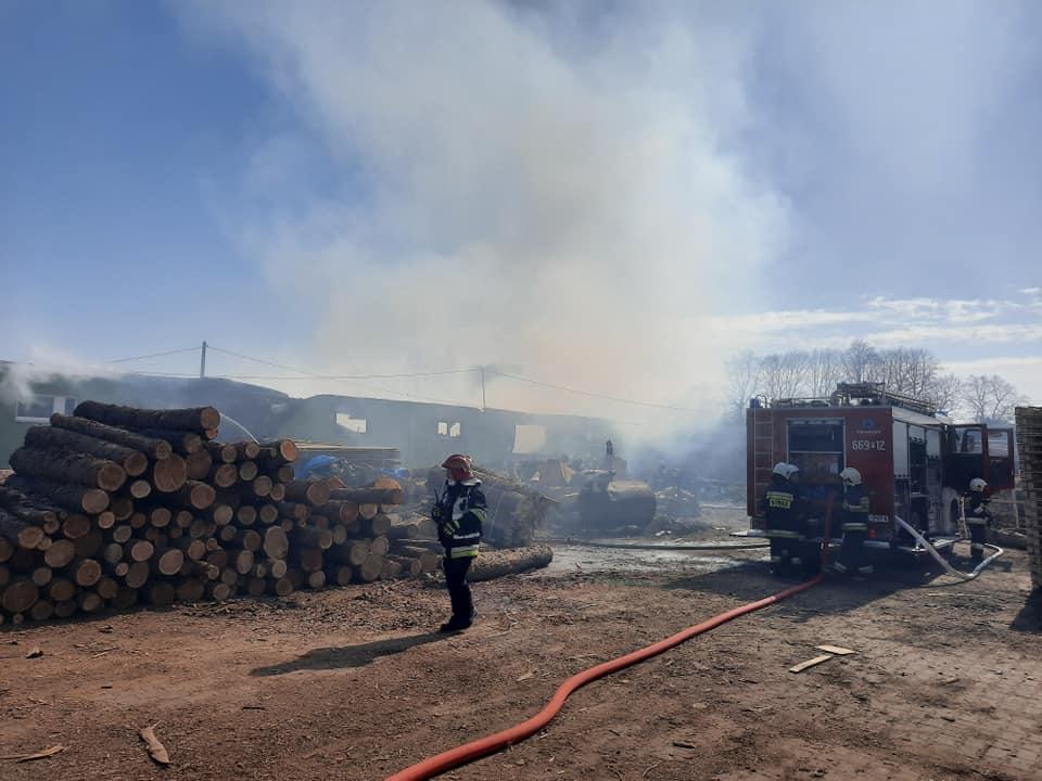 Pożar tartak tarnówek  - FB: OSP Tarnówka