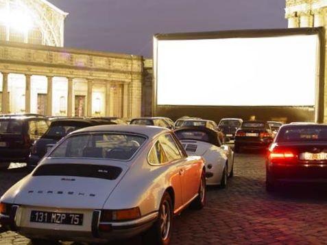 kino samochodowe - By Assistant08 - Praca własna, CC BY-SA 3.0, https://commons.wikimedia.org/w/index.php?curid=4850876