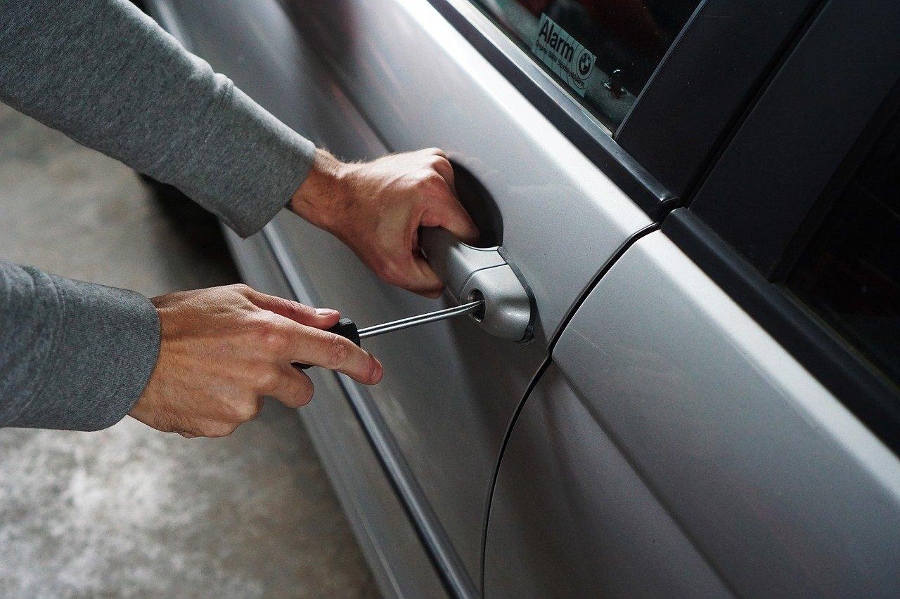 kradzież samochód złodziej - Pixabay