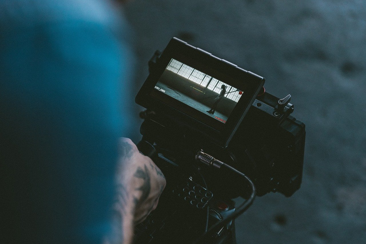 kamera film filmowiec plan zdjęciowy - Pixabay