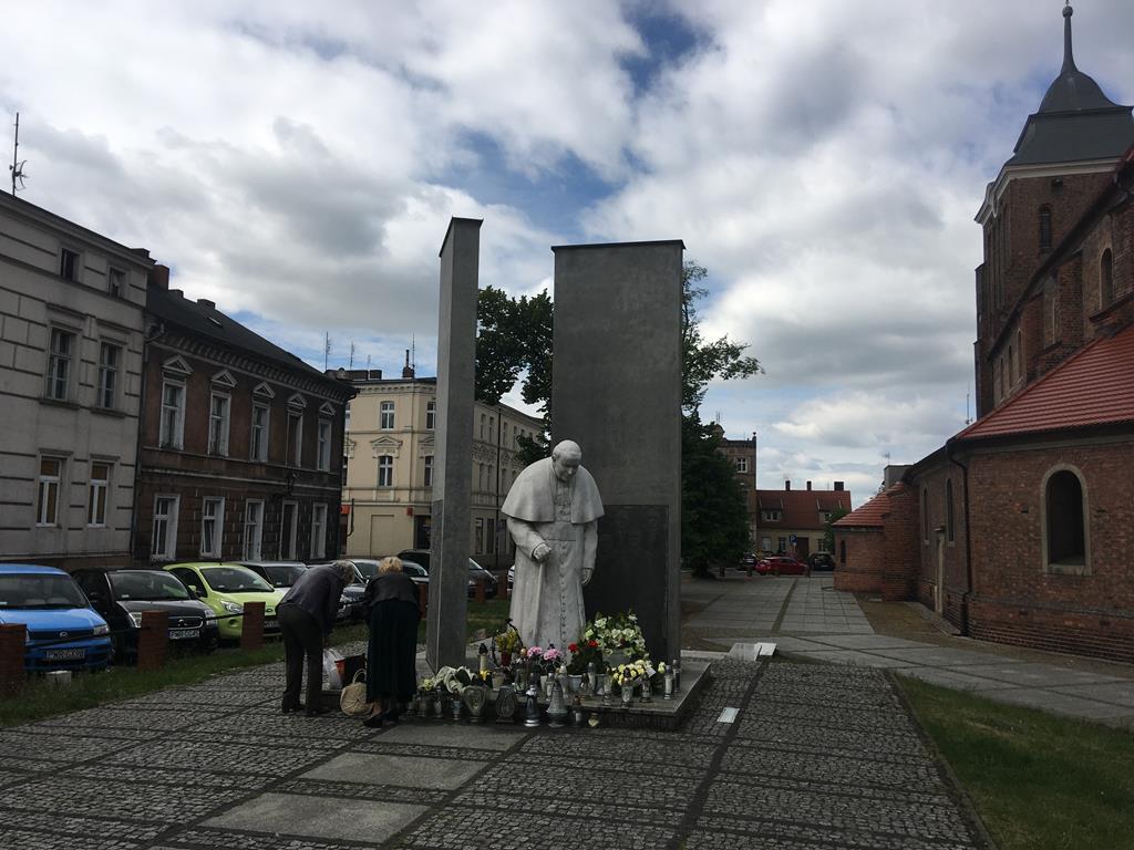 jan paweł ii pomnik września znicze - Rafał Regulski