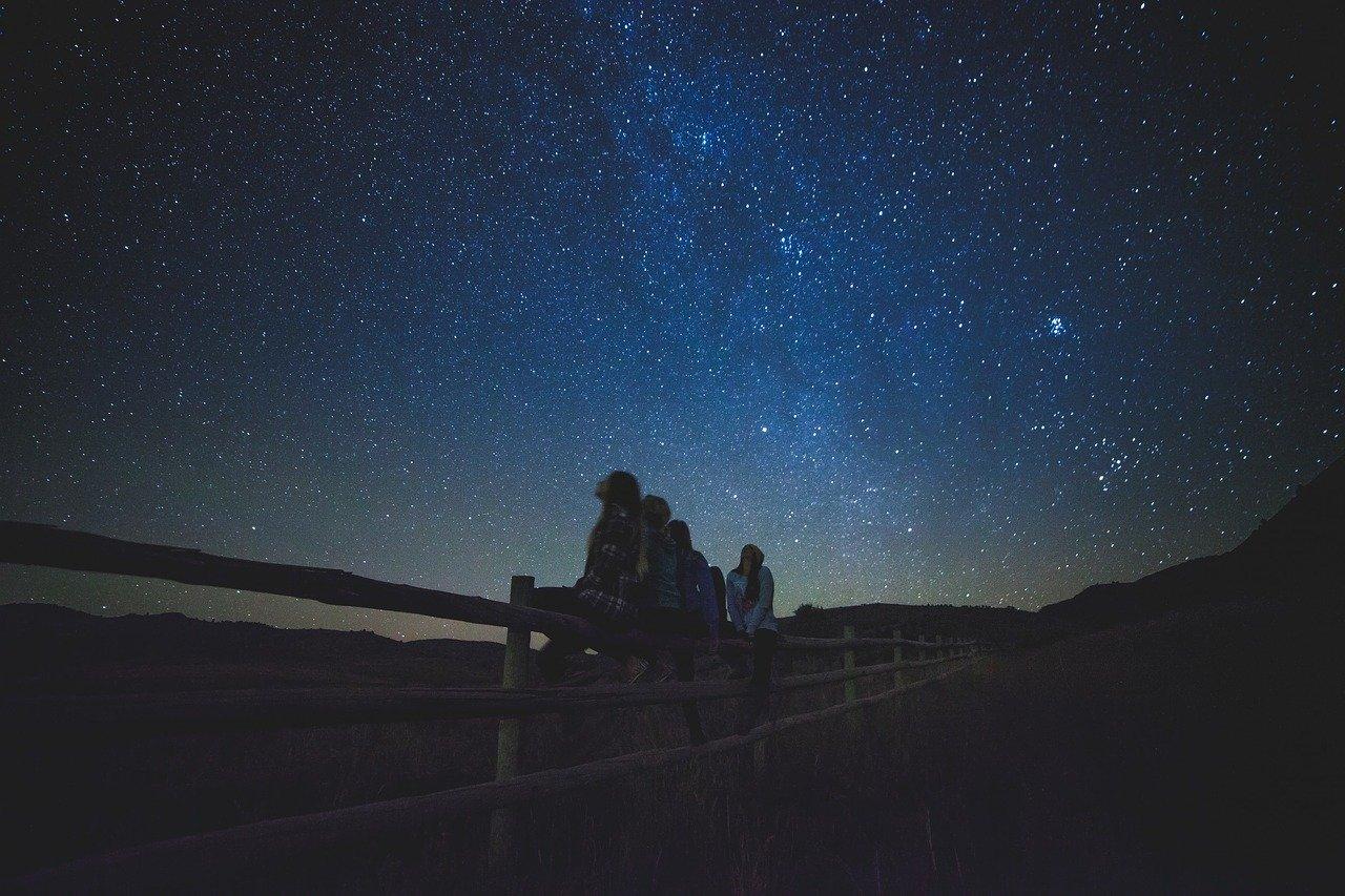 niebo nocą gwiazdy oglądania - Pixabay