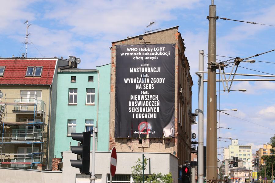 baner stonewall who - Leon Bielewicz - Radio Poznań