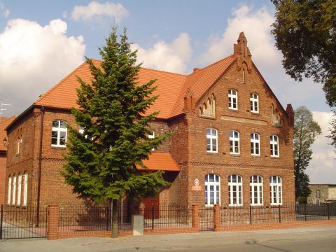 SP nr 4 w Grodzisku Wielkopolskim - Szkoła Podstawowa Nr 4 im. kpt. Józefa Rejdycha w Grodzisku Wielkopolskim