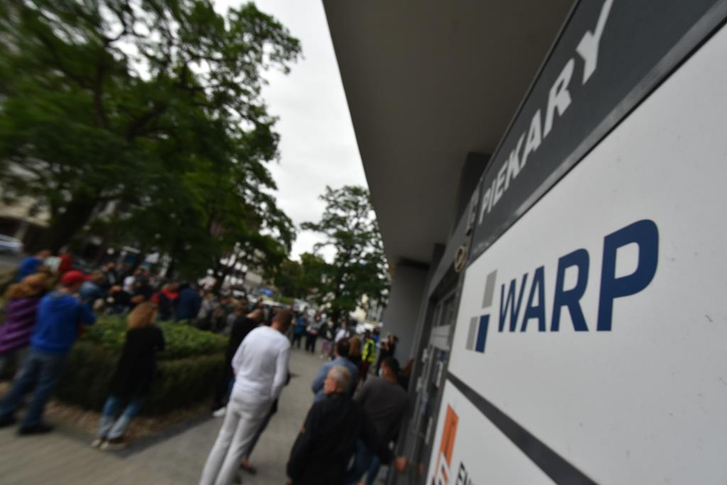 protest przed siedzibą warp przedsiębiorcy - Wojtek Wardejn