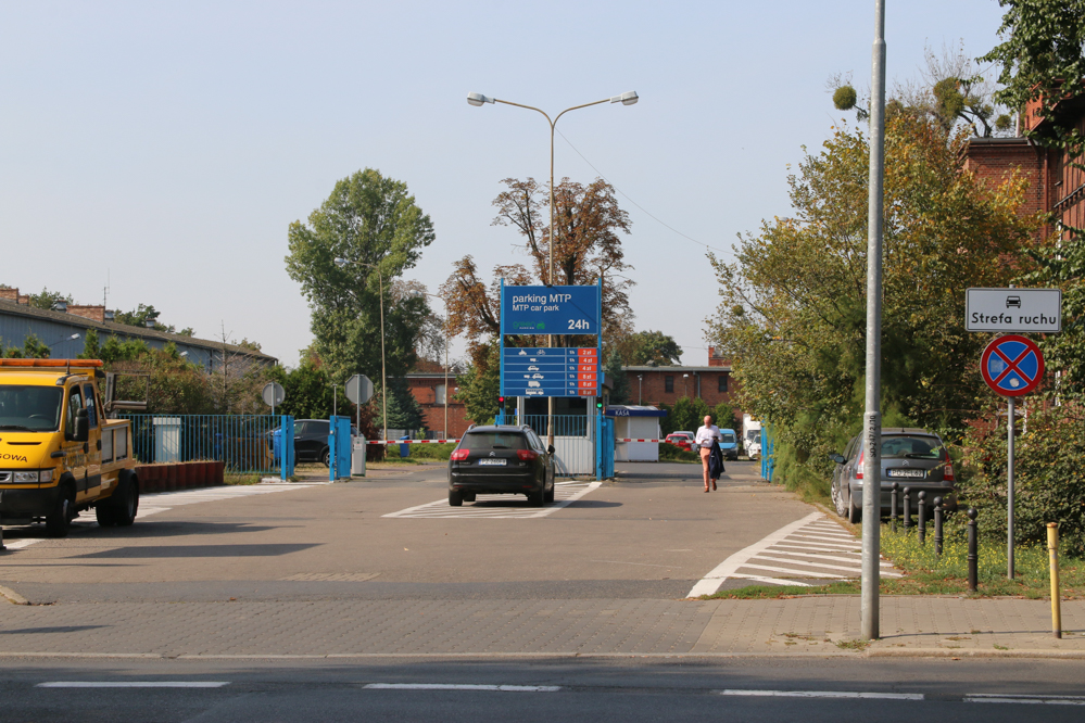 parking mtp na sprzedaż  - Leon Bielewicz