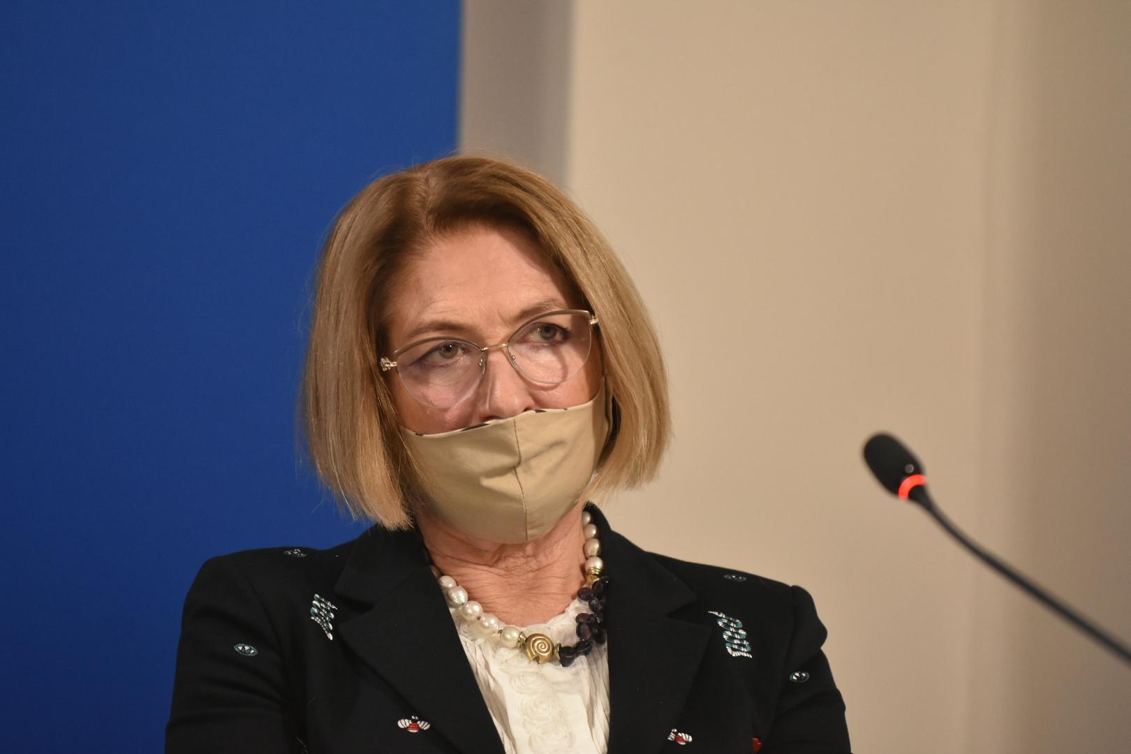 Profesor Iwona Mozer-Lisewska  - Wojtek Wardejn