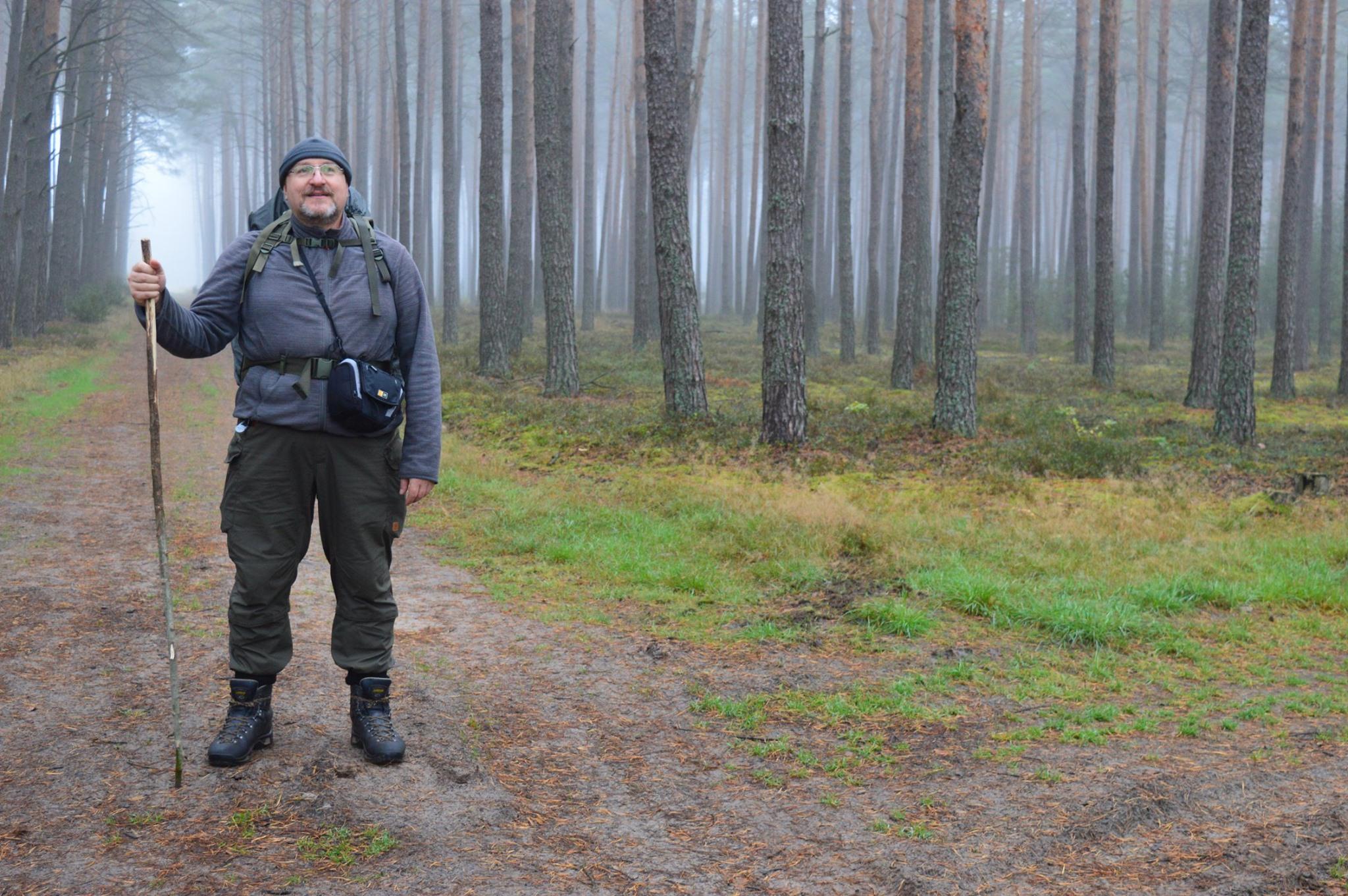 piotr żelażewski przemierza puszczę notecką  - Roman Tomczak z Nadleśnictwa Sieraków
