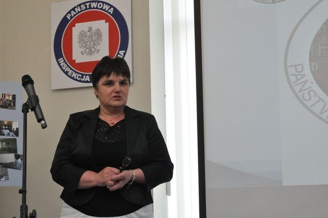 Jadwiga Kuczma-Napierała - www.powiat-ostrowski.pl