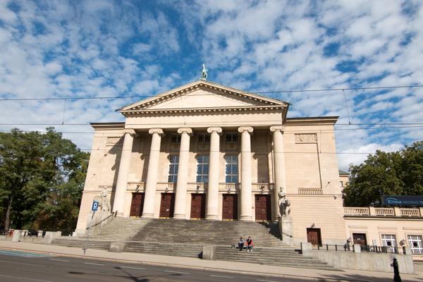 teatr wielki opera poznańska - Wojtek Wardejn