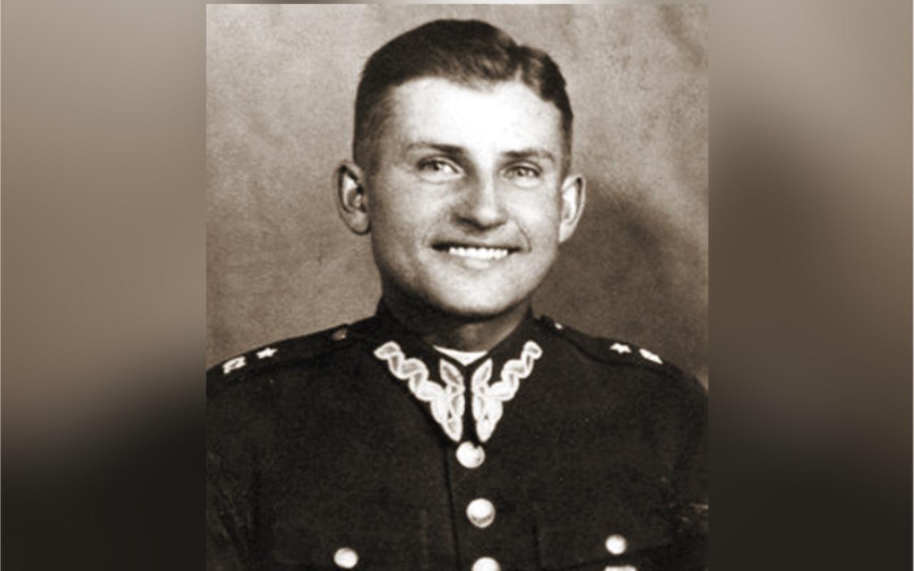 By Lowdown - Muzeum Okręgowe w Rzeszowie (http://www.rzeszow.pl/miasto-rzeszow/historia/rzeszowskie-tradycje-wojskowe), CC BY-SA 3.0, https://commons.wikimedia.org/w/index.php?curid=30994861