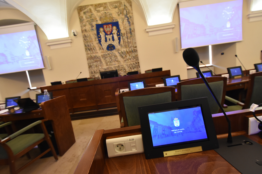 sala sesja rady miasta - Wojtek Wardejn