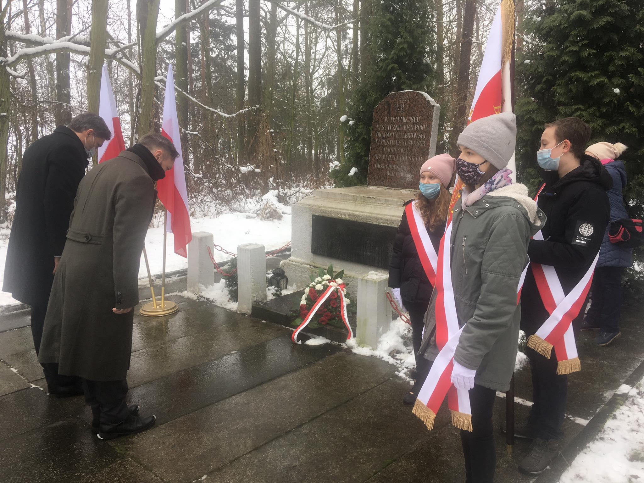 skarszewo hołd pomordowanym ak - Danuta Synkiewicz