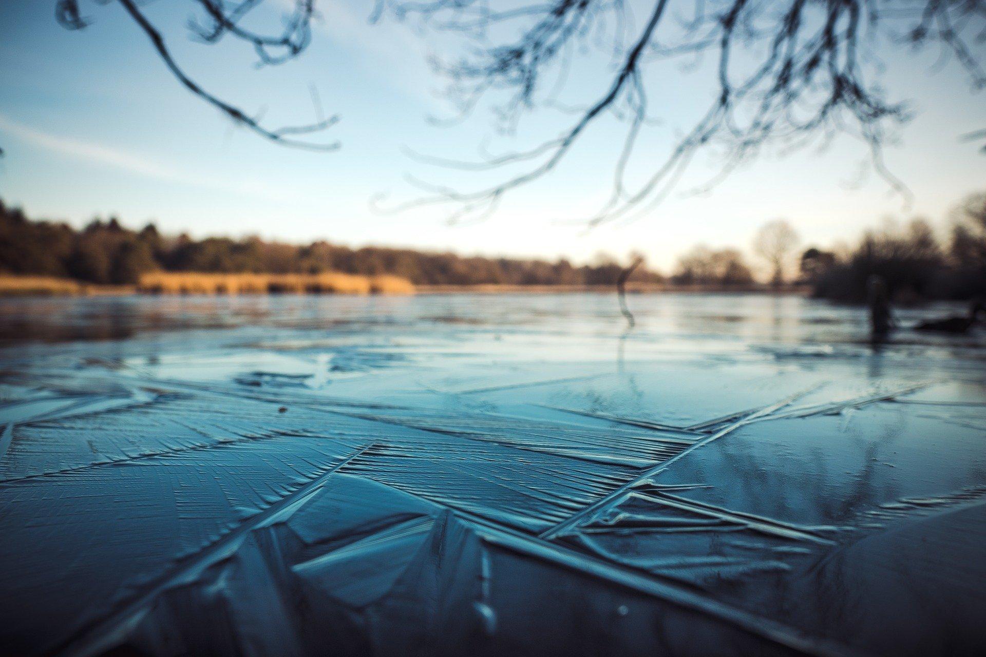 lód jezioro - Pixabay