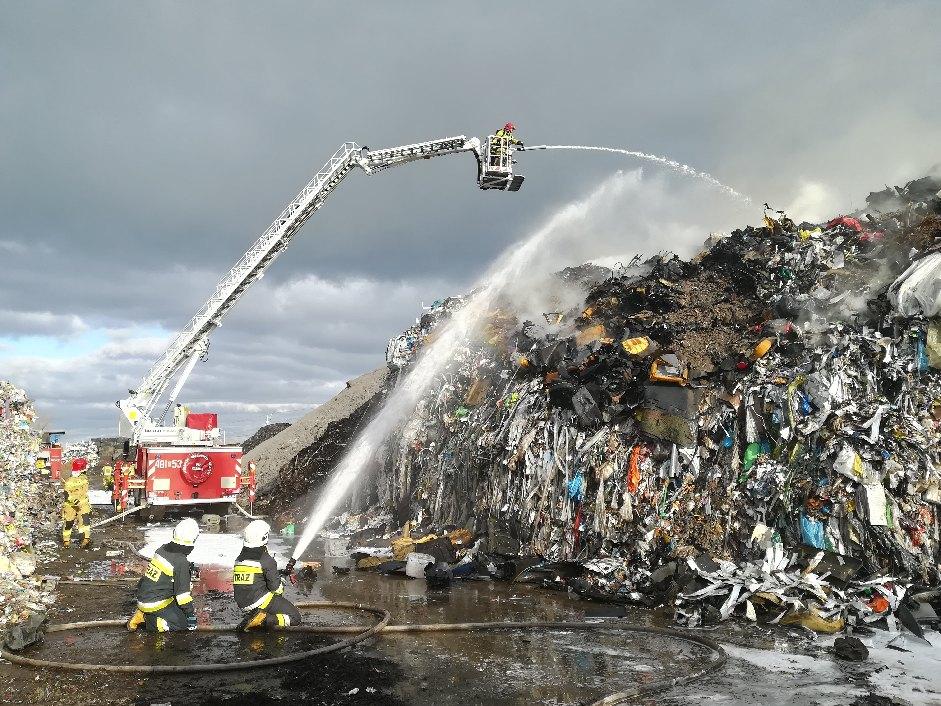 poża składowiska odpadów przysieka -  Dawid Kryś, oficer prasowy kościańskich strażaków.