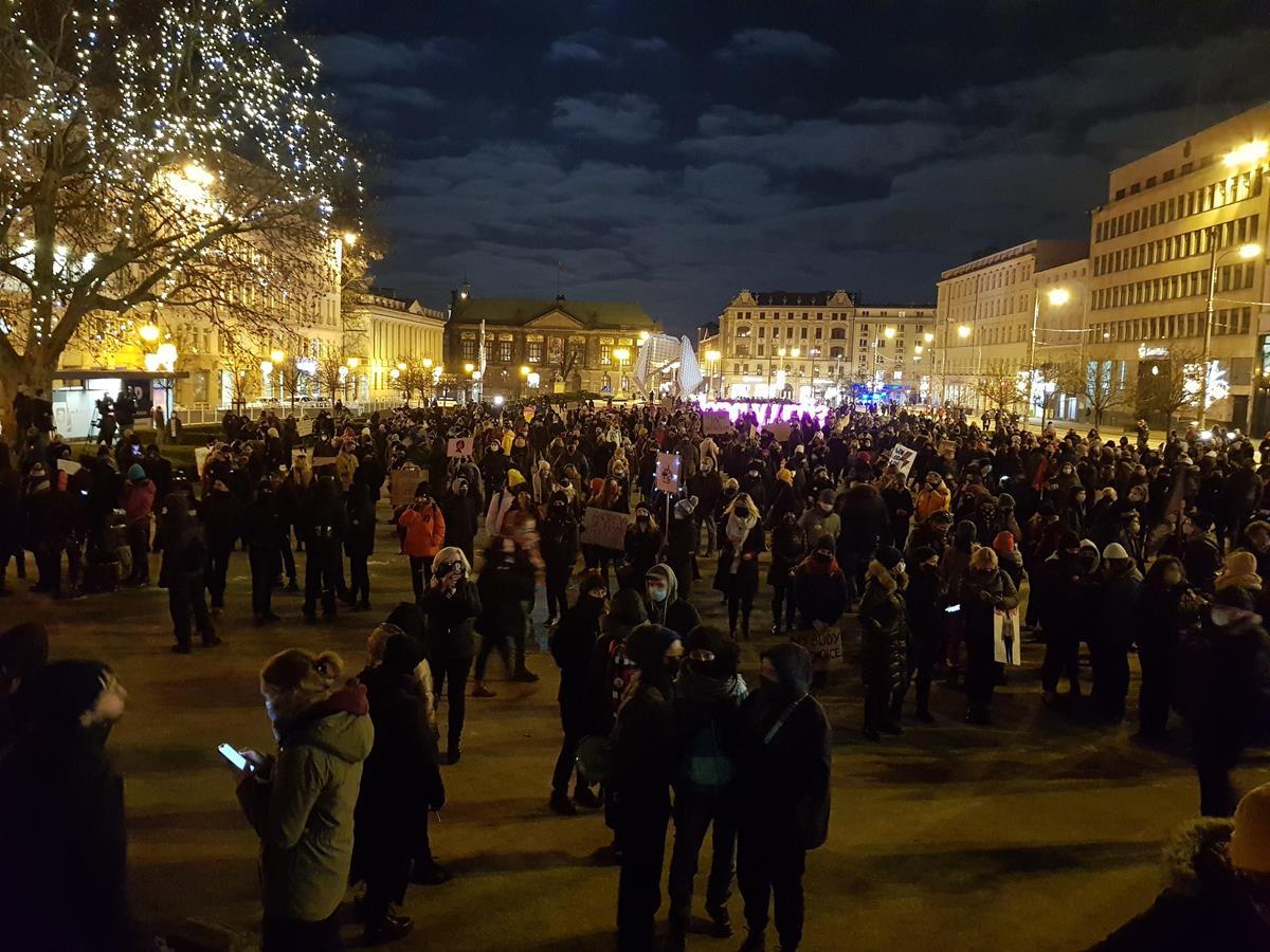strajk kobiet plac wolności - Hubert Jach - Radio Poznań