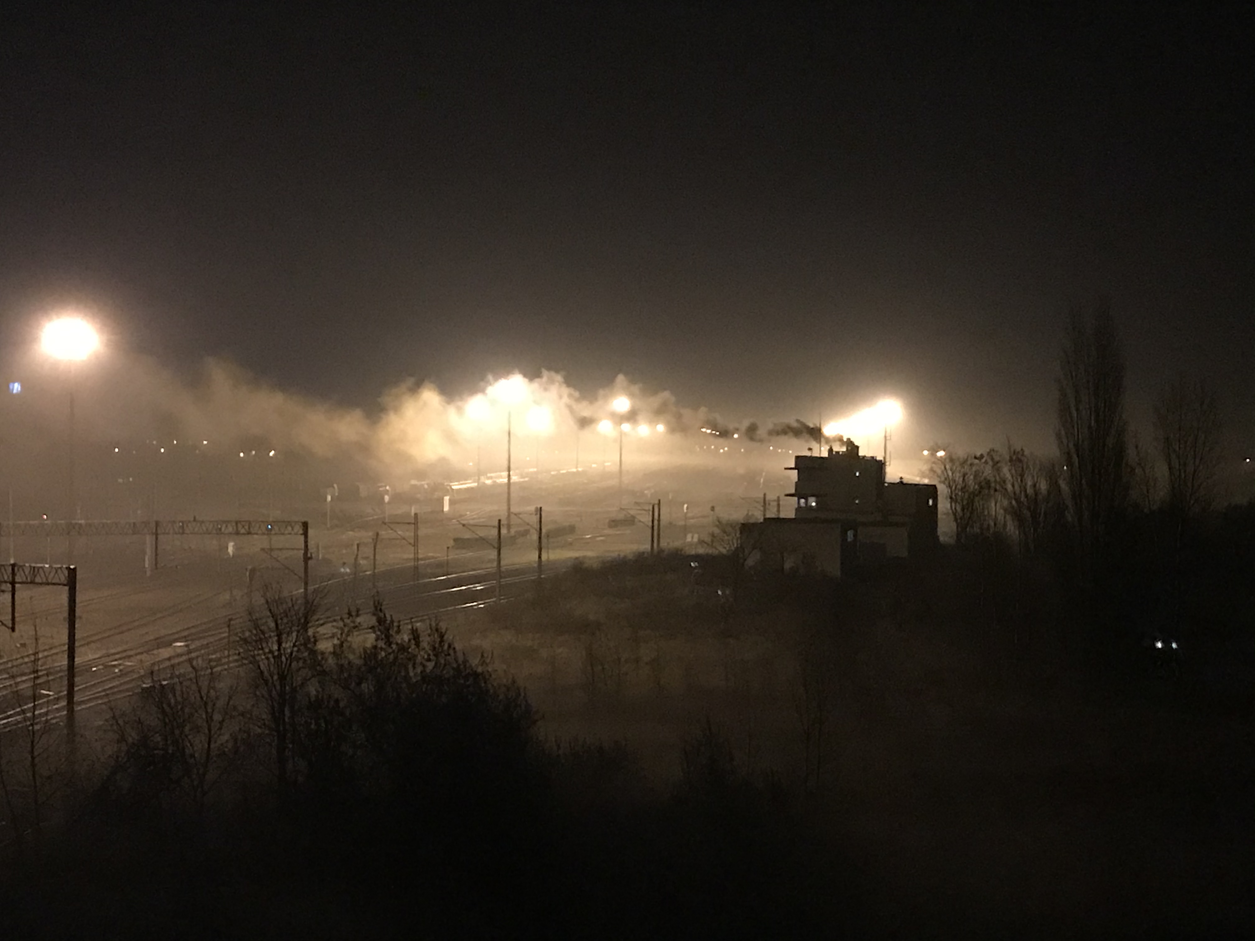 dym z budynku kolei franowo - Słuchacz