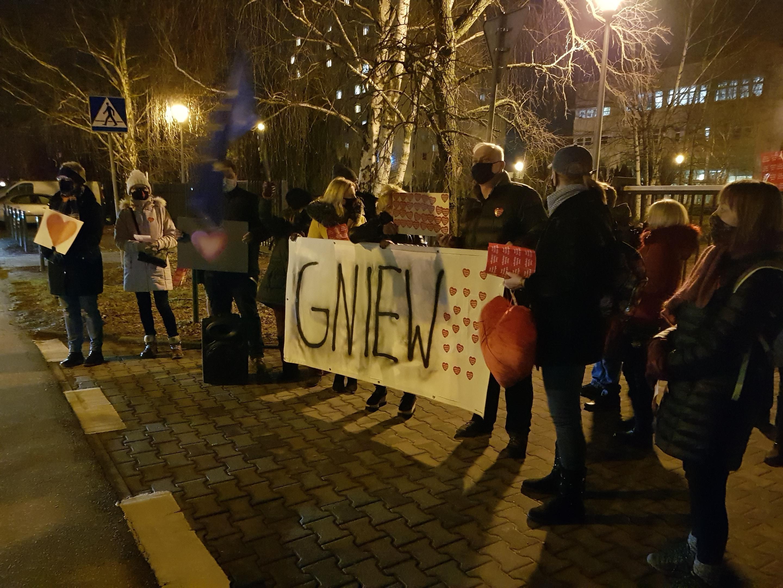 protest przed tvp kod - Hubert Jach