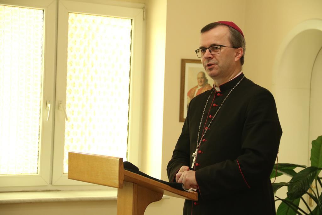 biskup kaliski damian bryl - ks. Mateusz Puchała - Radio Rodzina