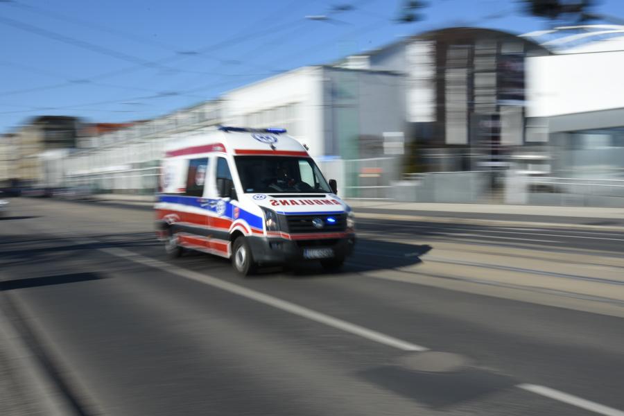 karetka pogotowie ambulans - Wojtek Wardejn