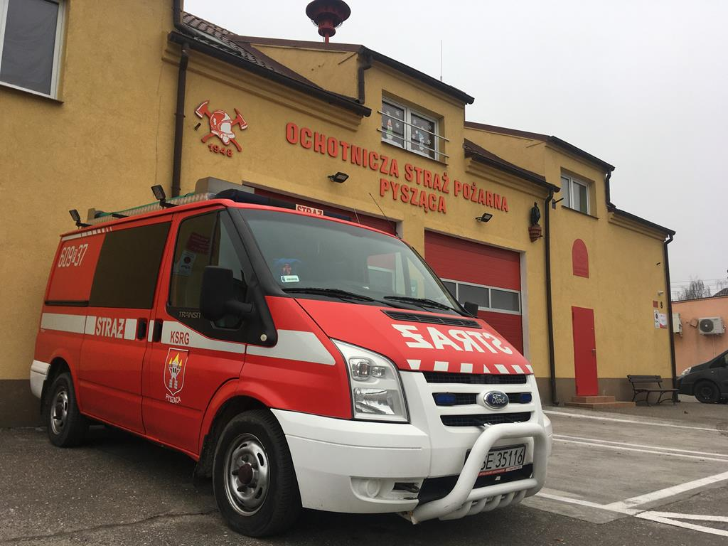 dowóz seniorów na szczepienia pysząca śrem - Rafał Regulski