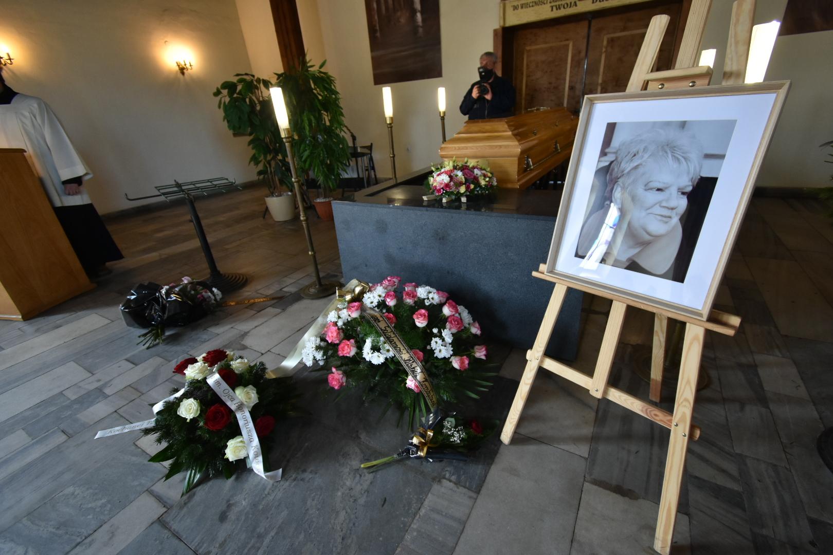 Pogrzeb teresy majchrzak  - Wojtek Wardejn