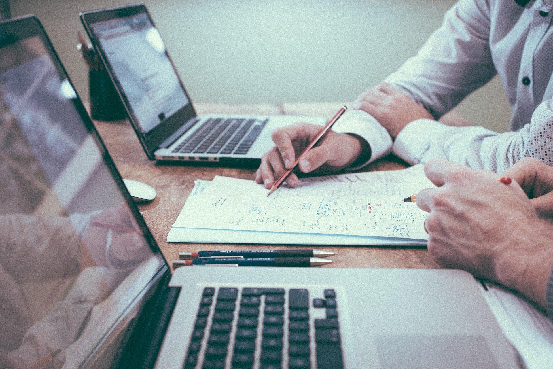 praca biuro laptop  - Pixabay