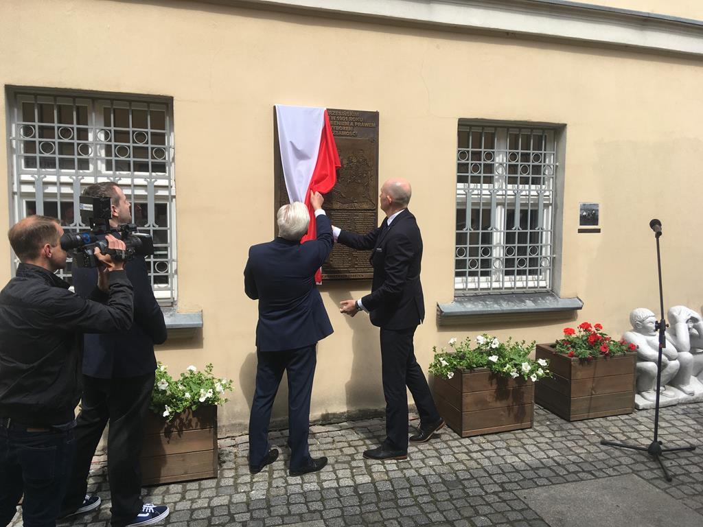 tablica dzieci wrzesińskich odsłonięcie - Rafał Regulski