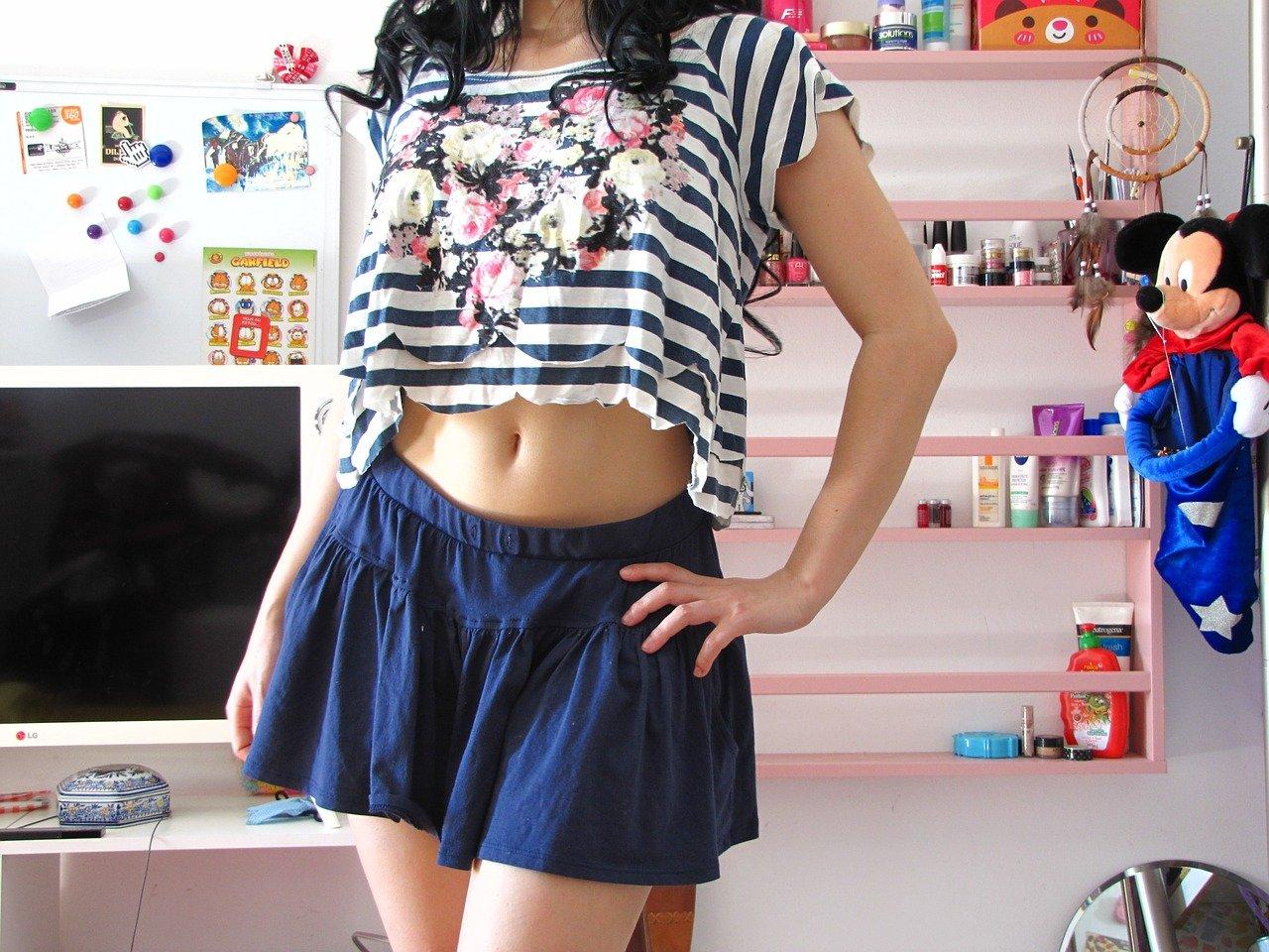 spódnica spódniczka dziewczyna uczennica stock - Pixabay