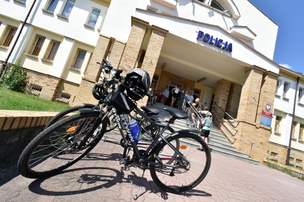znakowanie rowerów rower rowery policja poznań  - nowe miasto - Wojtek Wardejn - Radio Poznań