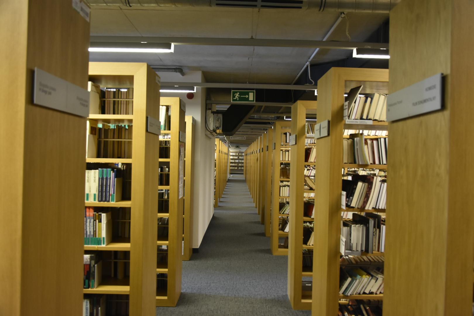 biblioteka raczyńskich liczenie książek książki - Wojtek Wardejn - Radio Poznań