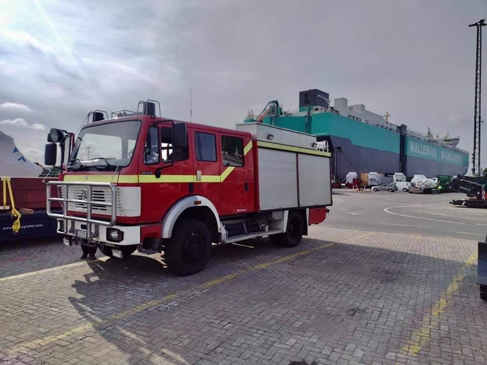 wóz strażacki dla afryki gasimy afrykę  - Gasimy Afrykę