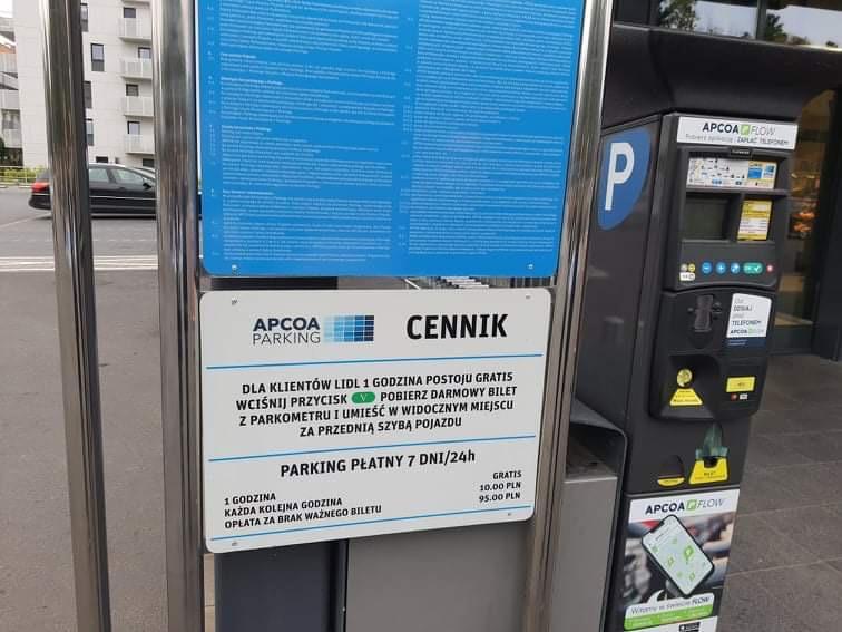parking lidl dymka - Grzegorz Ługawiak - Radio Poznań