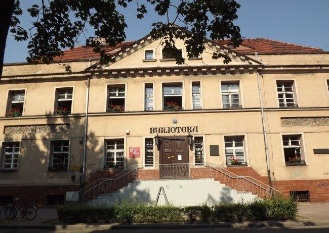 biblioteka w lesznie stary budynek - UM Leszno