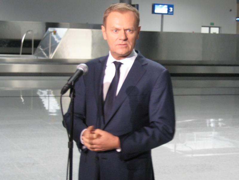 Donald Tusk na Ławicy ws. Euro - Wojciech Chmielewski