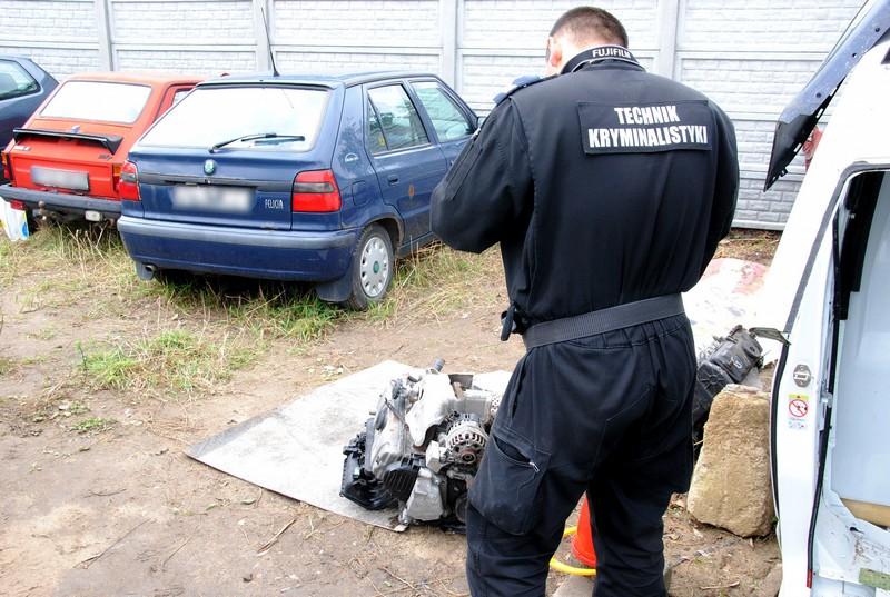 Dziupla_samochodowa_volkswageny - Policja/Poznan