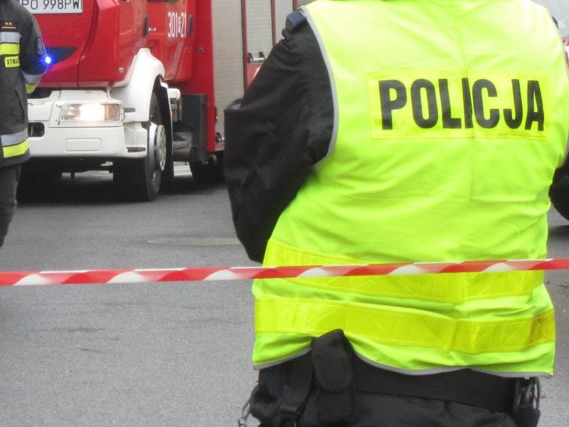 policja i straż na miejscu zdarzenia, alarm - Radio Merkury