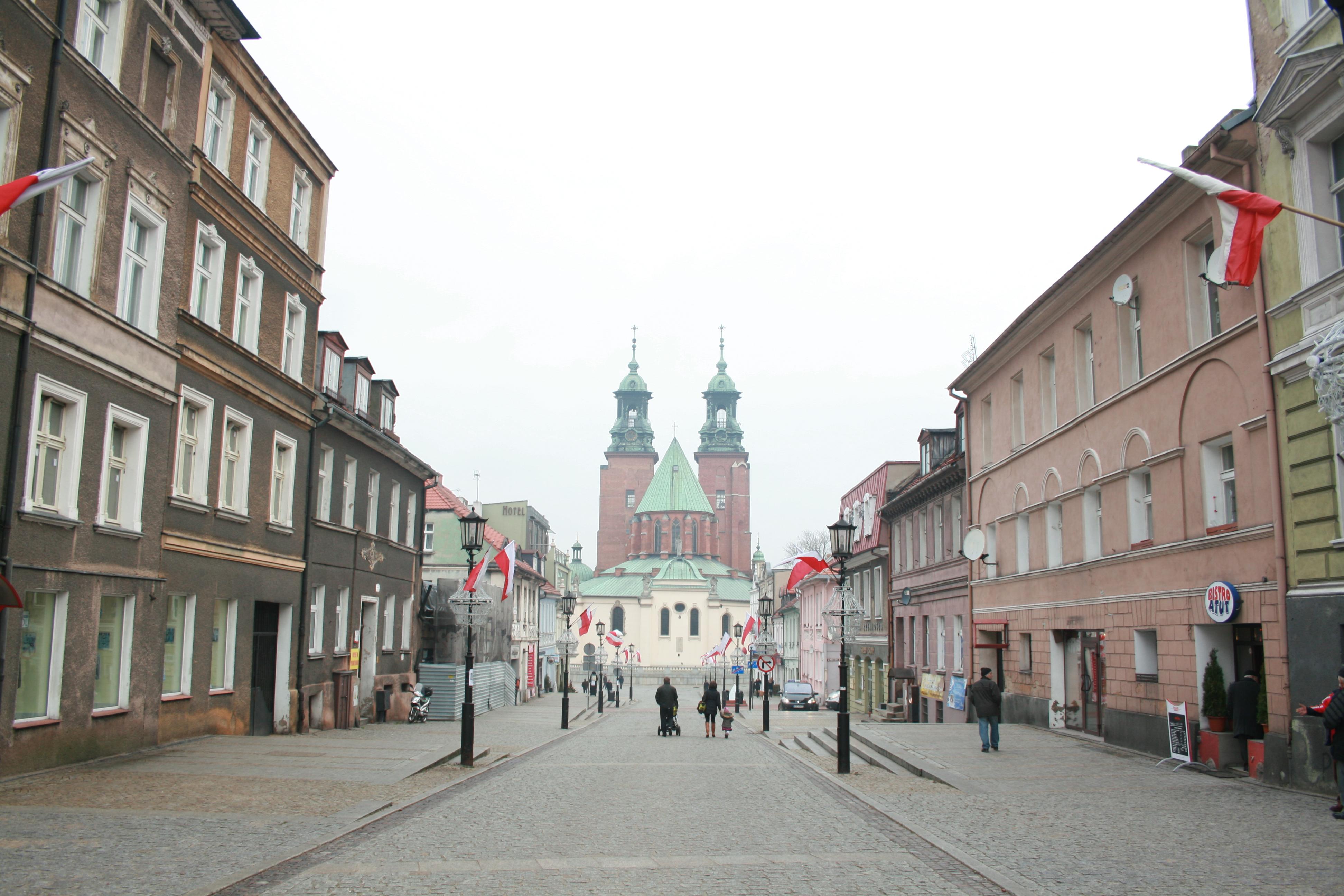 gniezno katedra - Wikimedia Commons